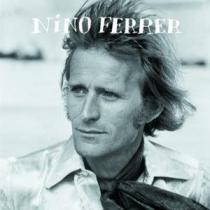 jouer FERRER, Nino à la guitare