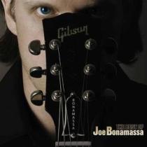 jouer BONAMASSA, Joe à la guitare